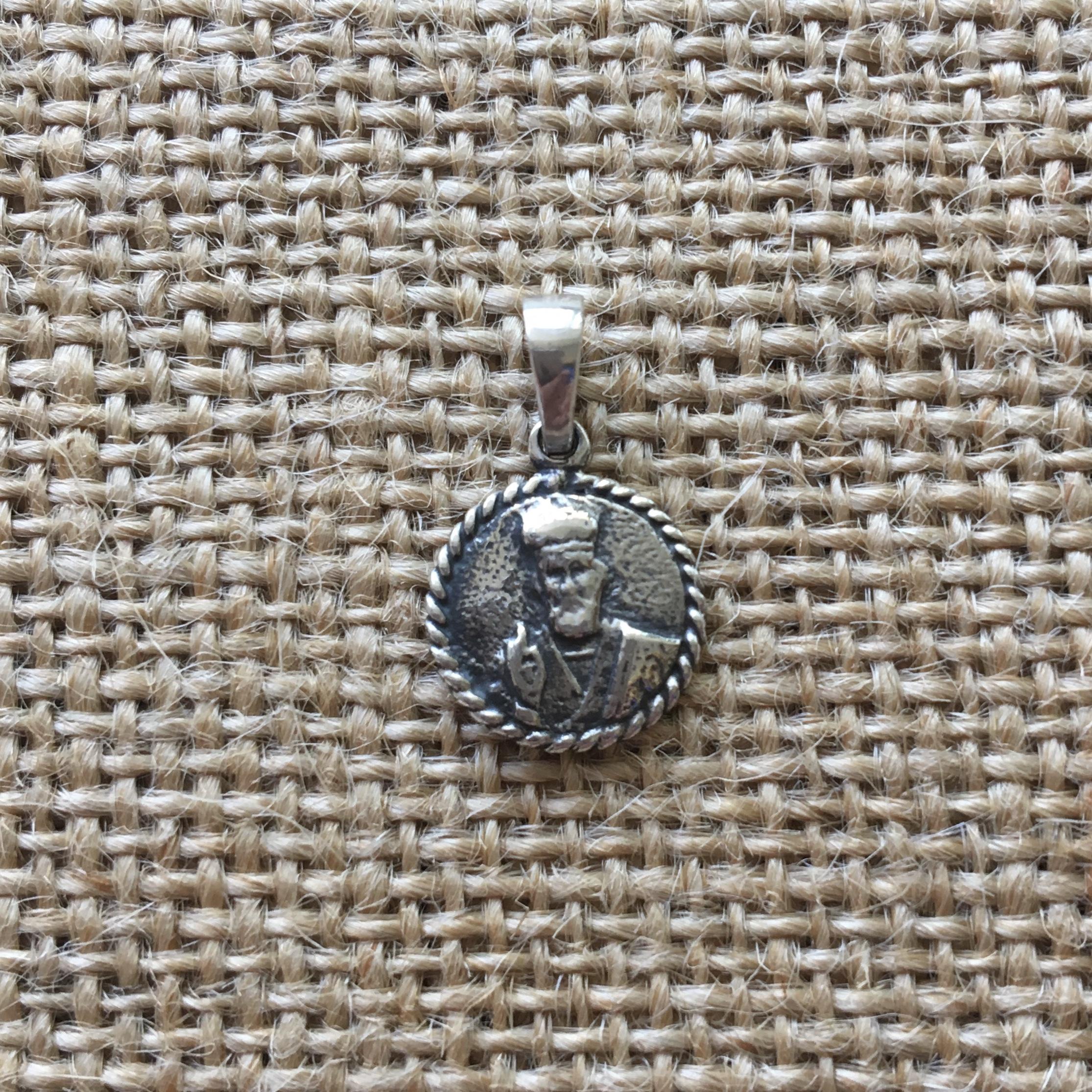 Серебряный кулон двусторонний с изображением Св. Николая и Св. Спиридона